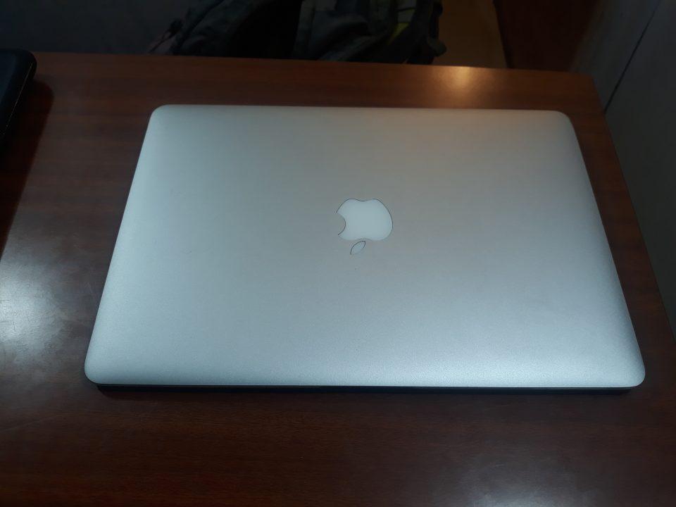 Refurbish Used mac book air a 1466